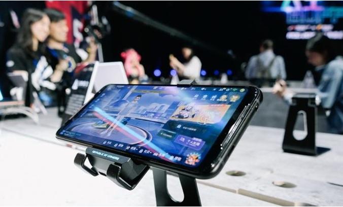 玩游戏哪款手机好?实测ROG游戏手机2在三大主流游戏中的表现力 何等惊艳!