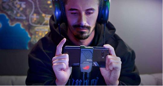 游戏手机哪款好?ROG游戏手机2做足功夫 为博君一笑!