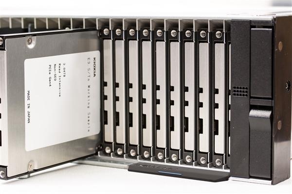 铠侠展示全新SSD形态:迎接PCIe 6.0、功耗可达28W