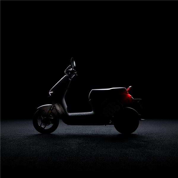 九号公司与李宁设计再度合作,即将发布合作定制款电动车