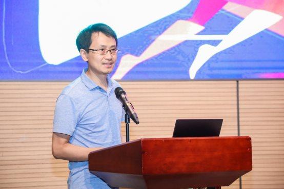 腾讯教育副总裁王涛:以技术给教育提供温度和力量