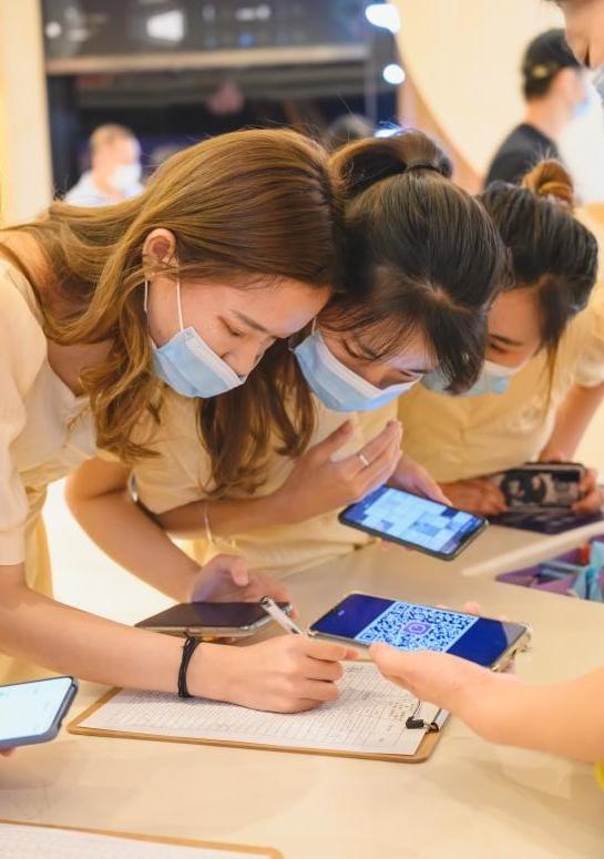 爱聊科技举办七夕线下活动 百位鹏城单身青年赴约